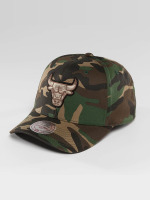 Mitchell & Ness Snapback Cap NBA Woodland Camo And Suede Chicago Bulls camouflage