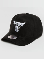Mitchell & Ness Snapback Cap 110 Curved NBA Chicago Bulls Suede nero