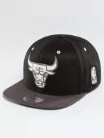 Mitchell & Ness Snapback Cap NBA 2-Tone Logo Chicago Bulls schwarz