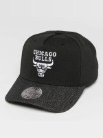 Mitchell & Ness Snapbackkeps NBA Denim Visor Chicago Bulls svart