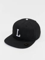 MSTRDS snapback cap L Letter zwart