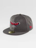 New Era Casquette Fitted NBA Atlanta Hawks gris