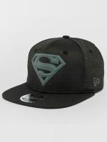 New Era Snapback Cap Concrete Jersey Superman 9Fifty schwarz