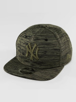 New Era Snapback Caps Engineered Fit NY Yankees 9Fifty olivový