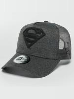 New Era Trucker Concrete Jersey Superman šedá
