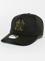 New Era Trucker Caps Metal Badge NY Yankees A-Frame čern