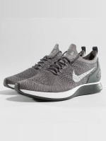 Nike Baskets Air Zoom Mariah Flyknit Racer gris