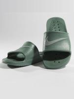 Nike Claquettes & Sandales Kawa Shower Slide vert
