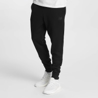 New Balance broek / joggingbroek Essentials in zwart