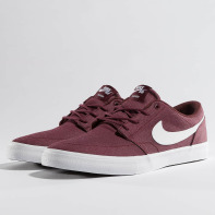Nike SB schoen / sneaker SB Solarsoft Portmore II in rood