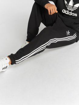 adidas originals Spodnie do joggingu 3-Stripes Pants czarny