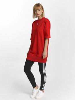 adidas originals Sukienki Trefoil czerwony