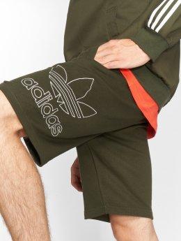 adidas originals Szorty Outline oliwkowy