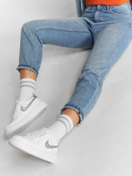 Carhartt WIP High Waisted Jeans Maverick Page Carrot Ankle modrá
