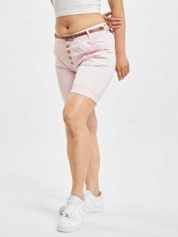DEF shorts Delia rose