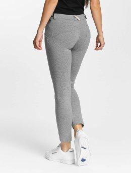 Freddy Skinny Jeans 7/8 Regular šedá