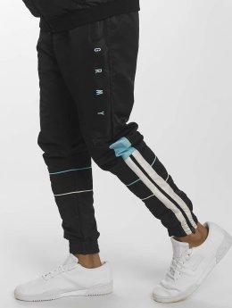 Grimey Wear Männer Jogginghose X Denom in schwarz