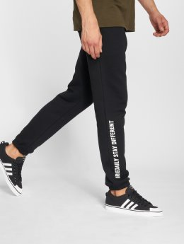 Iriedaily Jogginghose Stay Different schwarz
