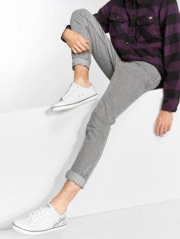 Levi's® Slim Fit Jeans L8 Straight Eaglle šedá