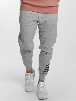 New Balance Jogging Essentials gris