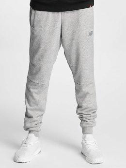 New Balance Pantalón deportivo Athletics Knit gris