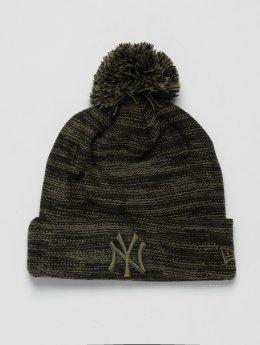 New Era Bonnet hiver MLB Cuff New York Yankees olive