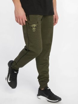 New Era Pantalone ginnico NBA Engineered Fit Chicago Bulls Fleece verde