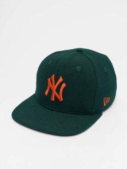 New Era Snapback Caps MLB Winter Utlty Melton New York Yankees 9 Fifty zielony