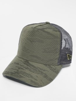 New Era Truckerkeps 3D Camo oliv