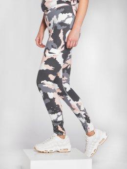 Nike Леггинсы Sportswear камуфляж