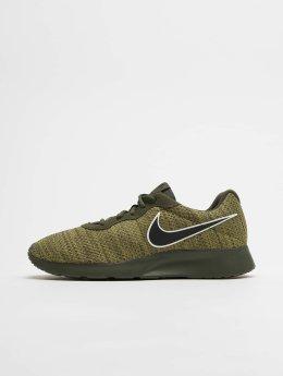 Nike Baskets Tanjun Premium kaki