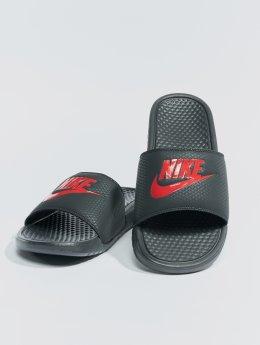 Nike Claquettes & Sandales Benassi