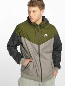 Nike Kurtki przejściowe Sportswear Windrunner oliwkowy