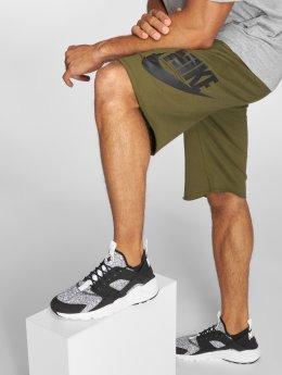 Nike shorts NSW FT GX olijfgroen