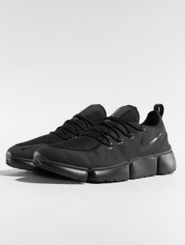 Nike Sneaker Pocket Fly Dm nero