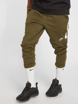 Nike Spodnie do joggingu Sportswear oliwkowy