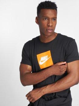 Nike T-paidat Sportswear Futura Box musta