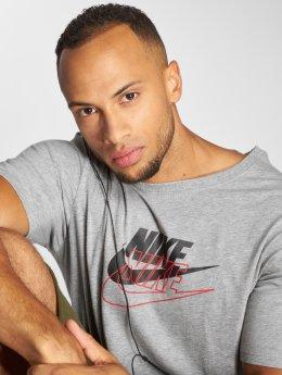 Nike T-Shirt Archive grau