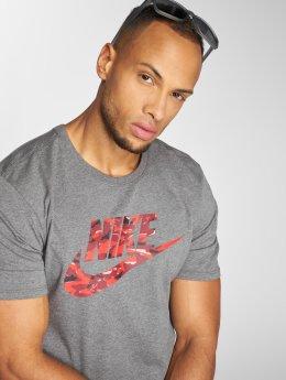 Nike T-Shirt Camo grau