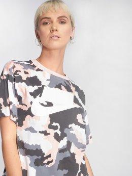 Nike T-shirt Sportswear mimetico