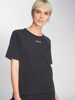 Nike / T-shirt Sportswear Tech Pack i svart