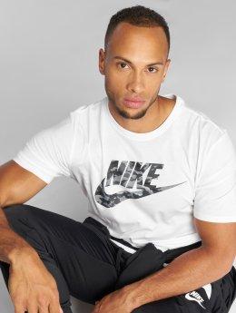 Nike T-skjorter Camo hvit