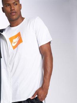 Nike T-skjorter Sportswear Futura Box hvit
