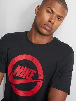 Nike T-skjorter Logo svart