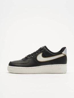 Nike Tennarit Air Force 1 07 musta