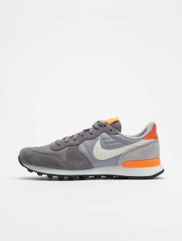 Nike Zapatillas de deporte  gris
