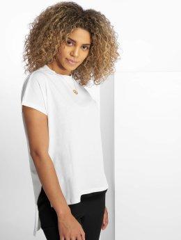 Noisy May T-paidat nmHelen valkoinen