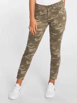 Only Kapeat farkut onlKendell Regular Ankle Zip Camou camouflage