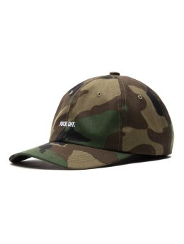 Raised by Wolves Fitted Cap  grün