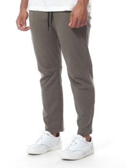 Reell Jeans Jogginghose  grün
